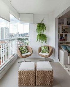 Balkon - Loggia in 14 Ansichten - Angela Karlin - Dekoration - Balcony Small Balcony Design, Small Balcony Decor, Modern Balcony, Balcony Ideas, Apartment Balcony Decorating, Apartment Balconies, Home Decor Trends, Home Decor Styles, Decor Ideas