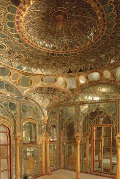 Room of mirrors in a Hindu a Palace in India