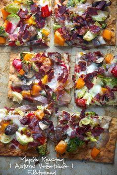 Maple Roasted Vegetable and crispy bacon flatbread. Thin and crispy lavash is used as the base for this flatbread, then topped with autumn, maple roasted veggies, crispy bacon and creamy fontina Roasted Vegetables, Veggies, Appetizer Recipes, Dinner Recipes, Healthy Appetizers, Dinner Ideas, Healthy Weekly Meal Plan, Sandwiches, Cooking Recipes