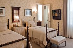 traditional bedroom by Solomon+Bauer+Giambastiani Architects providing for guests