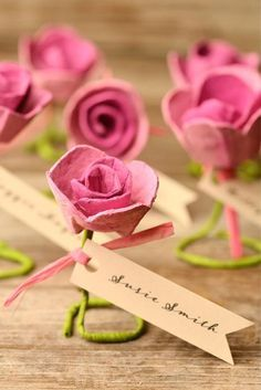 These gorgeous DIY paper rose escort cards are made from egg cartons! We love craft projects like these paper roses because they are inexpensive - and they involve recycling! Simple Paper Flower, Paper Flowers Diy, Flower Crafts, Diy Paper, Paper Crafts, Fabric Flowers, Kids Crafts, Crafts For Kids To Make, Diy And Crafts