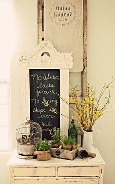 Country shabby chic so pretty. Obsessed with shabby chic Shabby Chic Homes, Shabby Chic Decor, Country Chic, Country Decor, Casas Shabby Chic, Vibeke Design, Shabby Vintage, Spring Home, Early Spring