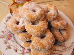 Pineapple Fritters were something that my grandmother cooked up when I was young. Brings back great memories. Homemade Desserts, Delicious Desserts, Dessert Recipes, Sweet Desserts, Pineapple Fritters, Tropical Party Foods, Pasta Casera, Food Suppliers, Pineapple Recipes