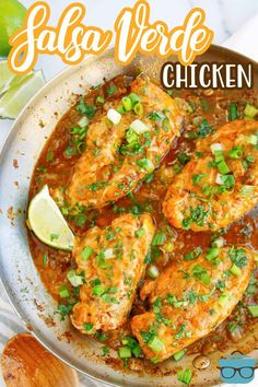 This Salsa Verde Chicken combines delicious spices and salsa and is a quick and tasty dinner recipe. You will want to put this one on repeat! Fajita Seasoning, Chicken Seasoning, Salsa Verde Chicken Recipe, Maine, Best Chicken Recipes, Delicious Dinner Recipes, Clean Recipes, Easy Recipes, Main Dishes