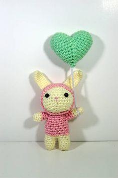 Hooded Balloon Bunny (Free - English)