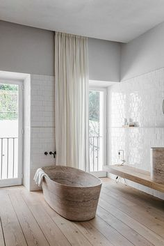 Bathroom styling | Minimalist | White | Eclectic contemporary bathroom of Santa Clara 1978