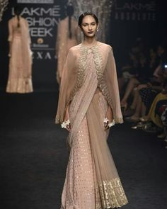 Complete Collection: Faabiiana at Lakmé Fashion Week winter/festive 2017 Pakistani Dresses, Indian Dresses, Indian Outfits, Saree Wearing Styles, Saree Styles, Saree Blouse Patterns, Saree Blouse Designs, Indian Designer Outfits, Designer Dresses