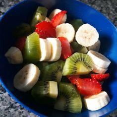Lanchinho da Tarde - morango, kiwi e banana