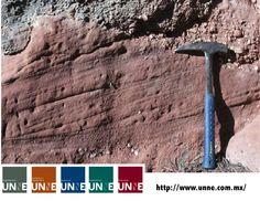#unne#corporativo#transportes#cal#agregados#intermodal CORPORATIVO UNNE te dice ¿De que trata La Mineralogía? La mineralogía es la ciencia que se ocupa de identificar minerales y estudiar sus propiedades y origen con el propósito de realizar su clasificación. El estudio de los minerales se efectúa a partir de la observación y del análisis de las rocas que constituyen muestras geológicas. http://www.unne.com.mx/