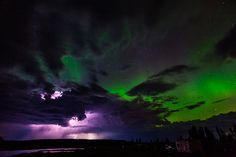 Aurora borealis and lightning. Photo by Peter Flynn Niznansky, Vancouver, BC. What Are Northern Lights, Weather Storm, Beautiful Landscapes, Beautiful Scenery, Night Skies, Science Nature, Landscape Photography, Places To Go, Thunderstorms