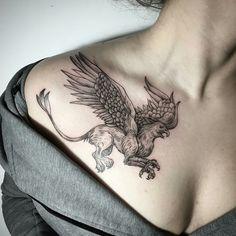 Tattoo done by: @lesyale_ #grifo #lion #tattoo #tatuaje
