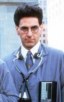 Dr. Egon Spengler (Ghostbusters). This guy is the reason why I'm a sucker for tall, thin, nerdy guys. Spectacles aren't necessary, but they're a plus.