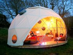 Now this is glamping, if you look it up its great what people have done with their camping trips. I think I could handle Glamping! Camping Con Glamour, Glam Camping, Camping Glamping, Luxury Camping, Camping Meals, Camping Hacks, Outdoor Camping, Camping Activities, Camping Essentials