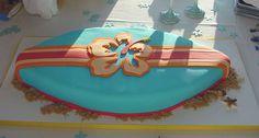 This is my kind of surfboard - cake design Surfboard Cake, Skateboard Cake, Surf Cake, Cakes To Make, How To Make Cake, Bicycle Cake, Bike Cakes, Mountain Bike Cake, Rock Climbing Cake