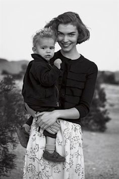 arizona muse and her son Nico by Peter Lindbergh