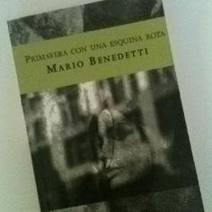 En esta novela de Mario Benedetti; Beatriz, de 10 años, trata de entender qué es el exilio, qué es un preso político, qué es la Libertad. Dramática y enternecedora historia. PRIMAVERA CON UNA ESQUINA ROTA.