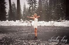 Winter ballet. Ballerina photo session in the snow, photography by Cloudy Day Photography in Medford, Oregon. Photos taken near Mount Ashland. Please become a fan on Facebook at http://www.facebook.com/cloudydayphoto