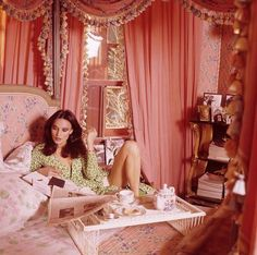 "Vogue called Diane von Furstenberg& Manhattan digs a ""glamour-star's pad."" She said it was ""a woman's apartment,"" and decorated it in pink."