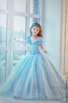 Купить или заказать Платье для Золушки в интернет-магазине на Ярмарке Мастеров. Сказочное платье для Золушки. Юбка очень пышная и не тяжелая, на изготовление этого платья ушло больше 40метров ткани . В этом платье любая девочка будет чувствовать себя…
