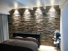 Geef je woonkamer dat extra mooie effect en accousstiek met onze houtstrips. Grote voorraad direct leverbaar tegen scherpe prijzen. Bel snel 06-13396329 Wood Panel Walls, House, Interior, Home, Home Bedroom, Office Interiors, Bedroom Design, House Interior, Bedroom