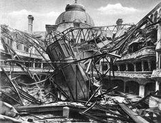 Szívszorító képeken a lerombolt Budapest Budapest Hungary, Destruction, Homeland, Old Photos, Wwii, The Past, Fair Grounds, Louvre, History