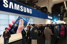 Samsung Electronics has set up a booth showing off Galaxy SⅡ at MWC.     http://hc.com.vn  http://hc.com.vn/vien-thong  http://hc.com.vn/vien-thong/dien-thoai-di-dong.html