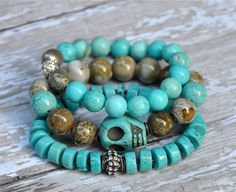 Cool Turquoise Skull Stack / Spring Summer Beaded por BeadRustic