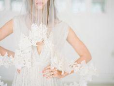 Veil with distinctive lace trim