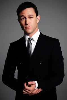 Joseph Gordon-Levitt | D.O.B 17/2/1981 (Aquarius)