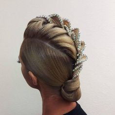 Braided hairstyles shaved sides braided hair vector braided hairstyles for 13 year olds braided hairstyles celebrities braided hairstyles images braided hairstyles salon quick braided hairstyles 2018 braided hairstyles with afro puff Latin Hairstyles, Loose Hairstyles, Bride Hairstyles, Hairstyle Ideas, Hairstyles 2018, Short Hairstyle, Dance Competition Hair, Ballroom Dance Hair, Latin Dance