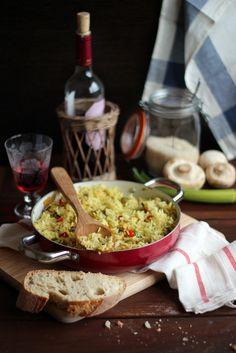 Arroz con pollo, champiñones y curry