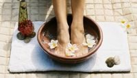 Recipe for Homemade Detox Foot Bath.  I feel better, my skin looks better and I relax- yes please