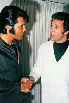 {*Elvis & his good friend Tom Jones*}