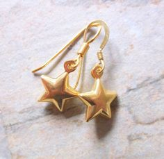 Dangle Earrings – 22k Gold Vermeil Star Drop Earrings – a unique product by clutchandclasp-rose on DaWanda