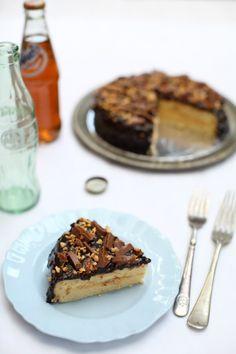 Daim Cake - masam manis Daim Cake, Cake Recipes, Pie, Desserts, Food, Torte, Tailgate Desserts, Easy Cake Recipes, Fruit Tarts