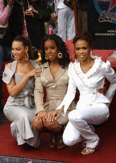 Mathew Knowles, père de Beyoncé, pense que les Destiny's Child reviendront un jour avec un album, le cinquième, et une tournée en vue. Souhait ou teasing ? Destiny's Child, Beyonce, Teasing, Interview, Hollywood, Album, White Jeans, Children, Style