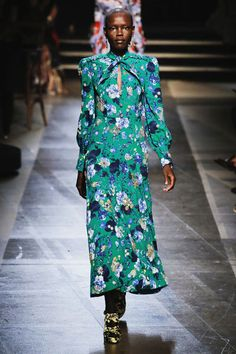 Runway It Report - Erdem floral dresses from Spring-Summer 2018 collection