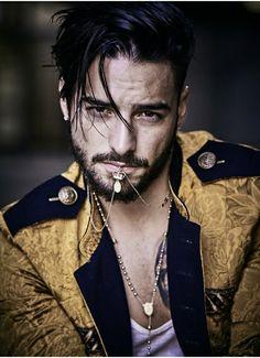 Maluma/Matthew Brookes (Vogue Hombre)
