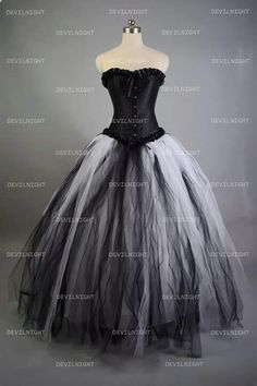 Romantic black and white gothic corset long prom dress dresses 4 Gothic Outfits, Gothic Dress, Quinceanera Dresses, Prom Dresses, Dresses Uk, Cheap Dresses, Pretty Dresses, Beautiful Dresses, Gothic Korsett