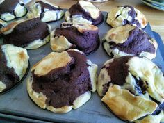 """Cream Cheese Filled Chocolate Cupcakes! """"""""  @allthecooks #recipe"""