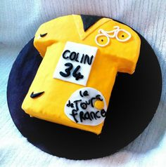 Yellow Jersey - Tour de France Vanilla sponge with vanilla buttercream and marshmallow fondant.