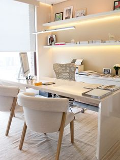 Oficina en casa color madera, luces led y sillas. Ambiente fresco y moderno. Twin Futon, Futon Diy, Small Futon, Futon Bunk Bed, Futon Cushions, Futon Couch, Futon Bedroom, Futon Mattress, Wooden Futon