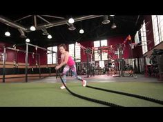 Anyone who has ever worked with battle ropes knows they are hard work—but how hard? This ACE-sponsored study examines whether battle rope exercises work various muscles hard enough to elicit meaningful gains in strength. Polymetric Workout, Parkour Workout, Basic Workout, Low Impact Workout, Workout Videos, Gym Workouts To Lose Weight, Fun Workouts, Rope Training, Weight Training