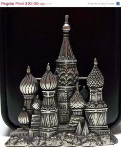 JJ Russian Palace  pin brooch pewter