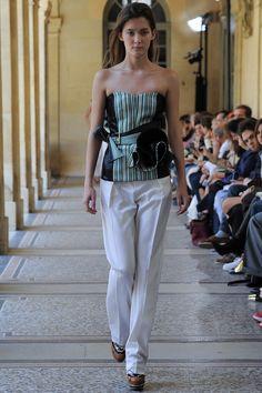 Bouchra Jarrar Fall 2014 Couture Fashion Show - Emma Waldo (Elite) Couture Fashion, Runway Fashion, Fashion Show, Fashion Outfits, Fashion Design, Women's Fashion, Bouchra Jarrar, Vogue, Review Fashion