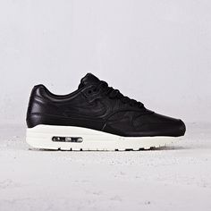 pretty nice 46a37 fcdee Nike Air Max 1 Pinnacle