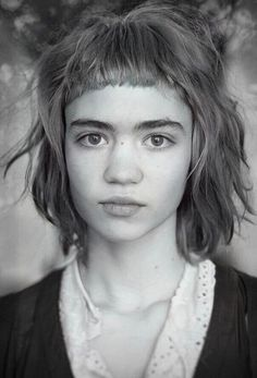 Woman with short bangs in black and white. Claire Boucher, Portrait Inspiration, Hair Inspiration, Short Bangs, Hair Today, Hair Inspo, Cute Hairstyles, Pretty People, Hair Goals