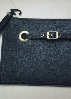Kup mój przedmiot na #vintedpl http://www.vinted.pl/damskie-torby/kopertowki/12774006-czarna-duza-kopertowka-ca