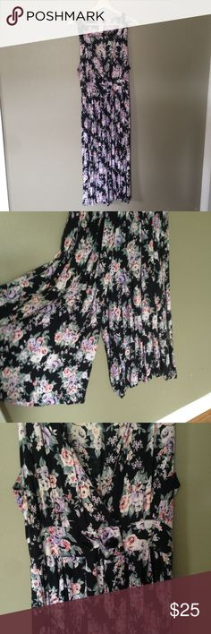 """Floral Flowy Jumpsuit Vintage, fits a size medium . Waist is 14"""" with some give, length from shoulder to hem is 47"""". Wear with a lacy bandeau for a cute festival look!                                                                    Has pockets, and like real pockets that you can fit your phone and keys in, not normal girl pants pockets Vintage Dresses"""