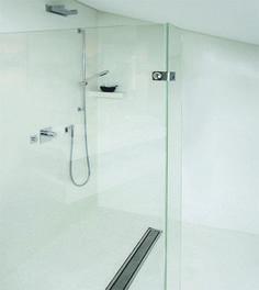 Fugenlose Dusche aus Frescolori Puramente
